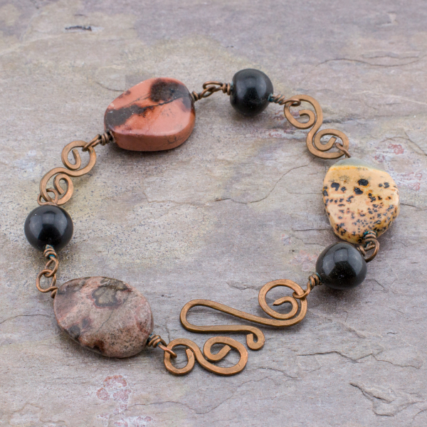 Earthy Colors and Abstract Patterns Characterize Artistic Jasper