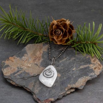 White Tumbled Stone Pendant Necklace